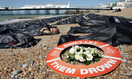 211416_sos_europe_-_die-in_brighton_beach_england._-_larger